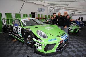 La Porsche di Lodovico Laurini, Dinamic Motorsport, nel garage
