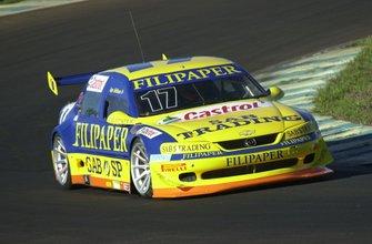 Em 2002, Ingo Hoffmann quebra a sequência de 3 temporadas de Chico Serra e conquista seu último título, o 12º de sua carreira, tornando-se o piloto mais vitorioso da história da Stock Car