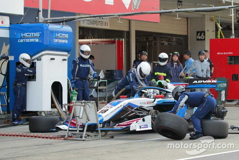 Kamui Kobayashi tras el Safety Car(Team KCMG)