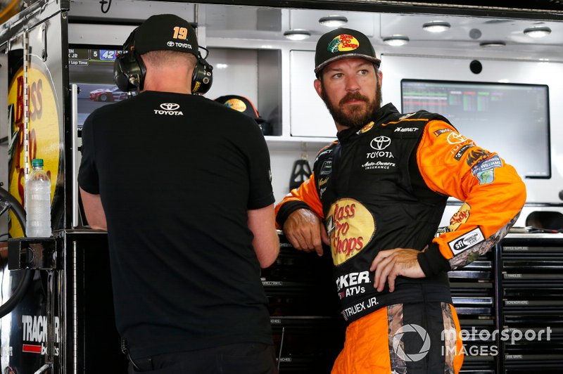 Martin Truex Jr., Joe Gibbs Racing, mit Cole Pearn