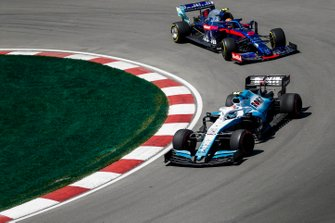 Nicholas Latifi, Williams FW42, leads Alexander Albon, Toro Rosso STR14