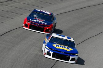 Chase Elliott, Hendrick Motorsports, Chevrolet Camaro NAPA AUTO PARTS and William Byron, Hendrick Motorsports, Chevrolet Camaro Liberty University