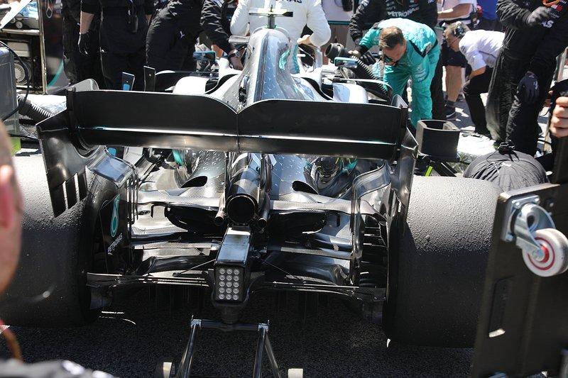 Mercedes AMG F1 W10, rear