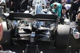 Mercedes AMG F1 W10, achterzijde