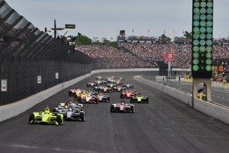 Start zu den 500 Meilen von Indianapolis 2019: Simon Pagenaud, Team Penske Chevrolet, führt