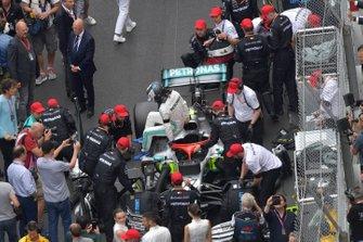 Valtteri Bottas, Mercedes AMG W10, 3rd position, arrives in Parc Ferme