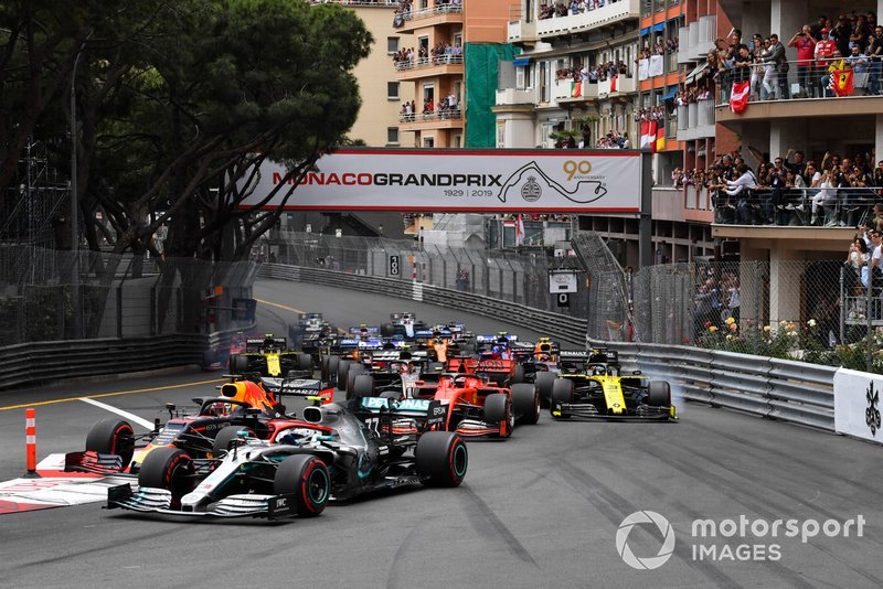 Valtteri Bottas, Mercedes AMG W10, leads Max Verstappen, Red Bull Racing RB15, Sebastian Vettel, Ferrari SF90, Daniel Ricciardo, Renault R.S.19, Kevin Magnussen, Haas F1 Team VF-19, and the remainder of the field at the start