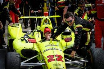Simon Pagenaud, Team Penske Chevrolet, Victory Lane