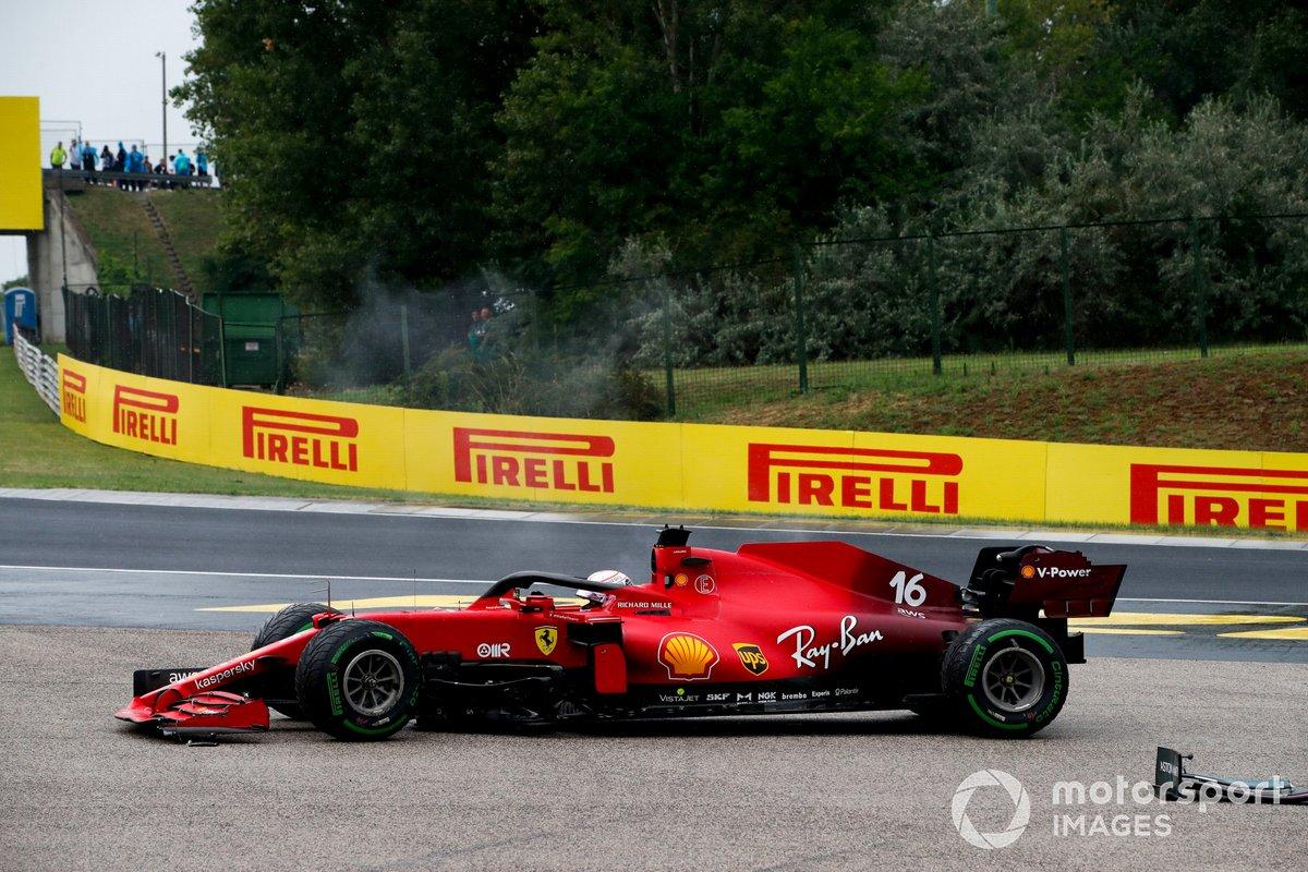 Charles Leclerc, Ferrari SF21 con daños