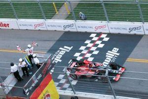 Race winner Marcus Ericsson, Chip Ganassi Racing