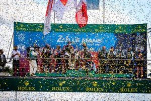 Podium: 1. Mike Conway, Kamui Kobayashi, Jose Maria Lopez, 2. Sebastien Buemi, Kazuki Nakajima, Brendon Hartley, 3. André Negrão, Nicolas Lapierre, Matthieu Vaxiviere