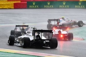 Lorenzo Colombo, Campos Racing chases a pack of cars