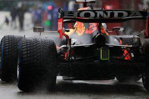 Max Verstappen, Red Bull Racing RB16B, arriveert op de grid