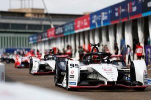Pascal Wehrlein, Porsche, Porsche 99X Electric, Andre Lotterer, Porsche, Porsche 99X Electric