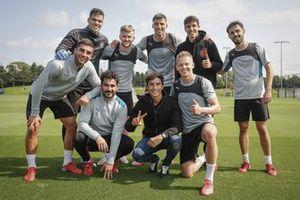 Marc Marquez, Repsol Honda Team, Alex Marquez, Team LCR Honda avec des joueurs de Manchester City