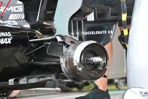 Mercedes W12 brake drum detail