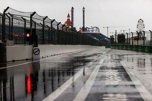 Het regent in de pitstraat
