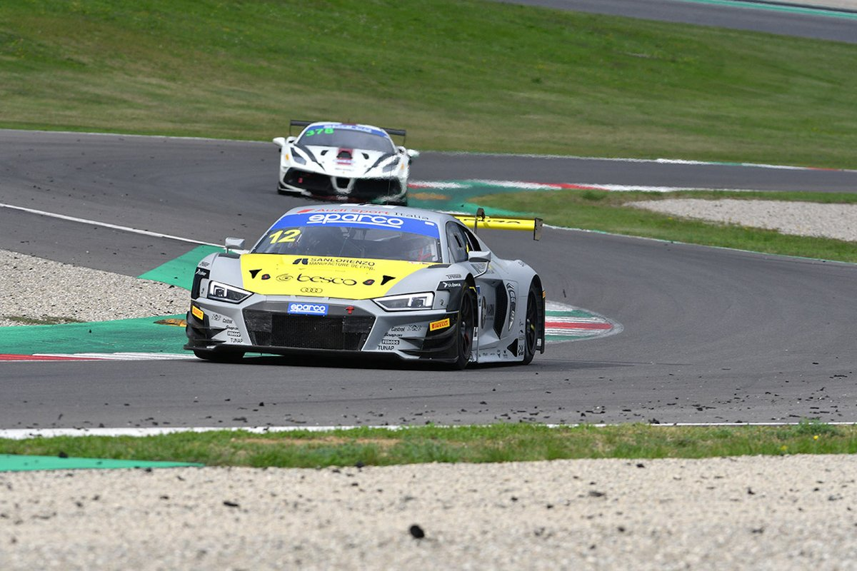 #12 Audi Sport Italia, Audi R8 LMS GT3 Evo: Lorenzo Ferrari, Riccardo Agostini