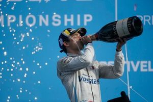 Nyck de Vries, Mercedes-Benz EQ, on the championship podium