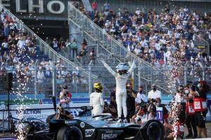 Champion Nyck de Vries, Mercedes-Benz EQ