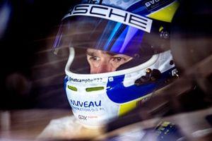 #22 GPX Martini Racing Porsche 911 GT3-R: Matt Campbell
