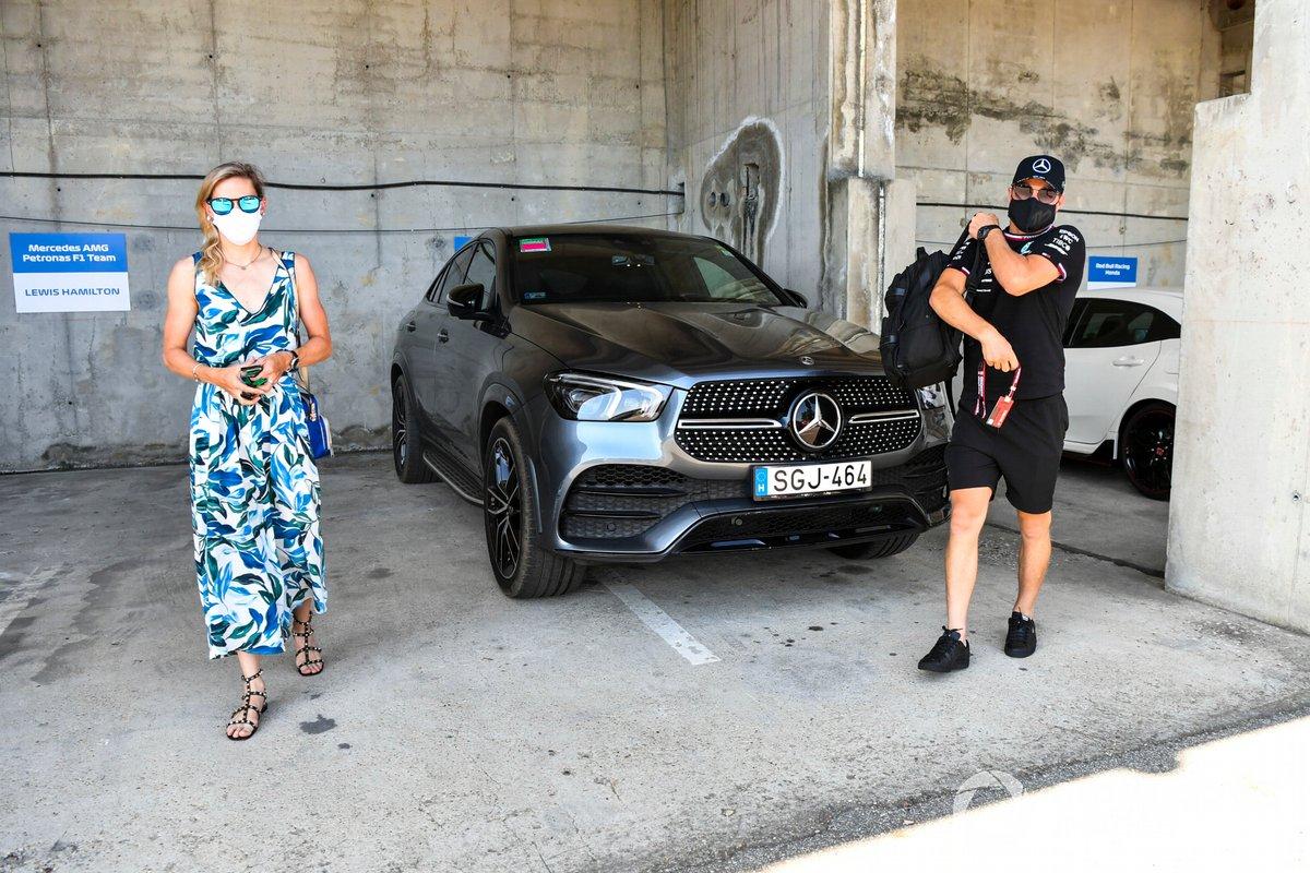 Tiffany Cromwell y Valtteri Bottas, Mercedes