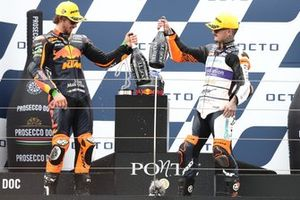 Remy Gardner, Red Bull KTM Ajo, Aron Canet, Aspar Team race