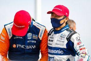 Scott Dixon, Chip Ganassi Racing Honda, Takuma Sato, Rahal Letterman Lanigan Racing Honda in victory lane