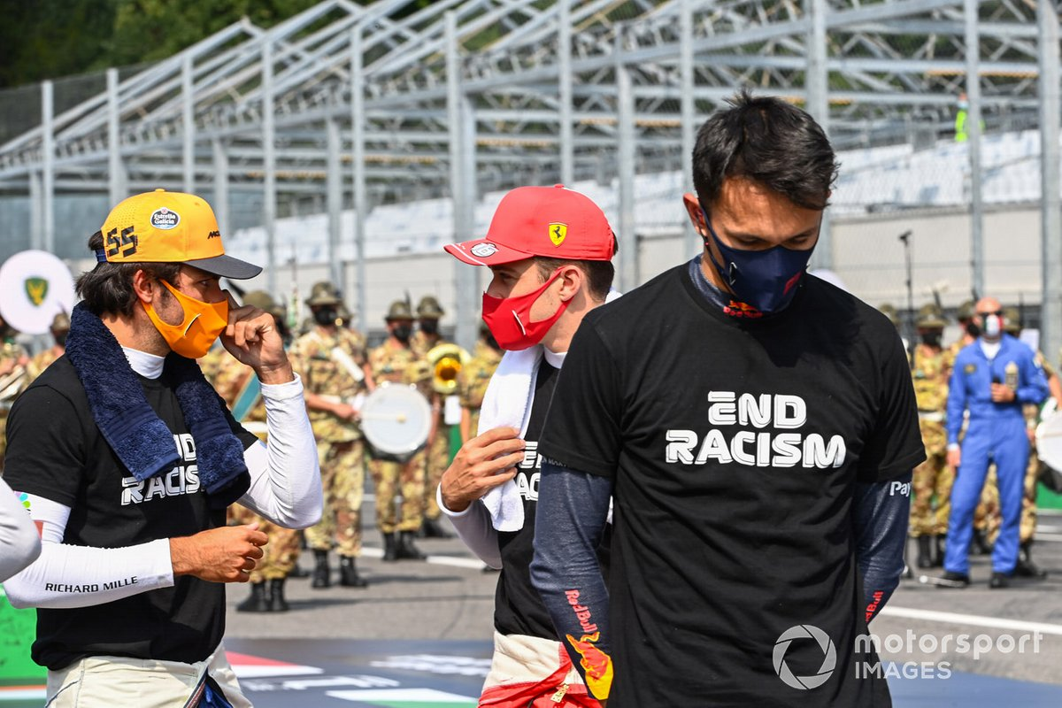 Carlos Sainz Jr., McLaren, Charles Leclerc, Ferrari, Alex Albon, Red Bull Racing