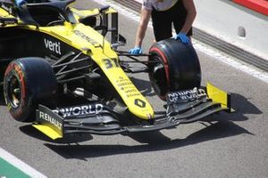 Renault R.S.20 front wing detail