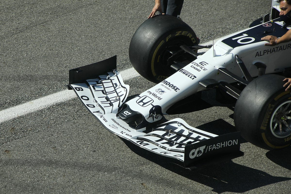 AlphaTauri AT01 front wing