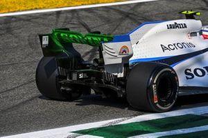 Flow-viz paint on the rear of Nicholas Latifi, Williams FW43