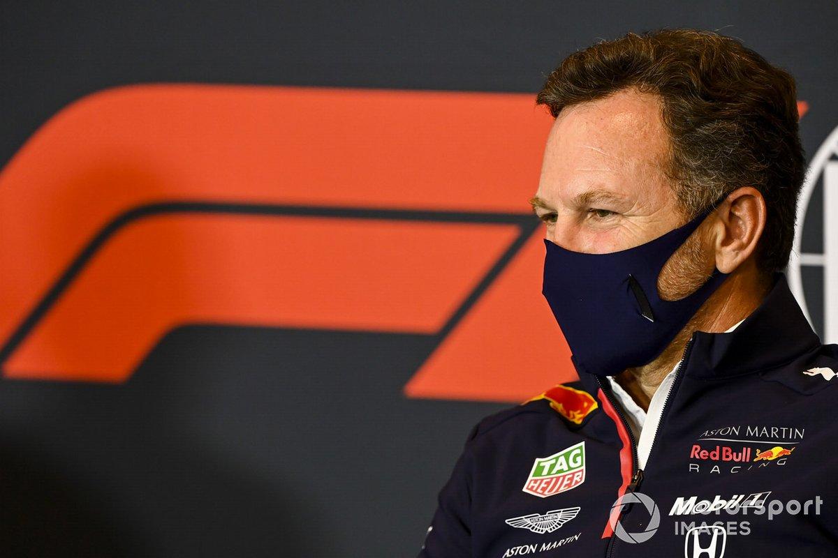 Christian Horner, líder del equipo Red Bull Racing en la rueda de prensa