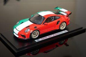 Uniti per ripartire Porsche Italia