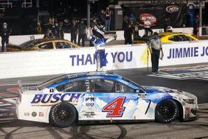 Kevin Harvick, Stewart-Haas Racing, Ford Mustang Busch Beer Throwback