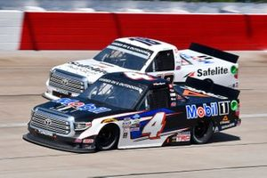 Raphael Lessard, Kyle Busch Motorsports, Toyota Tundra Mobil 1, Christian Eckes, Kyle Busch Motorsports, Toyota Tundra Safelite AutoGlass