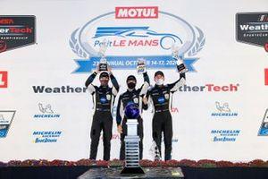 #10 Konica Minolta Cadillac DPi-V.R. Cadillac DPi, DPi: Renger Van Der Zande, Ryan Briscoe, Scott Dixon, podium