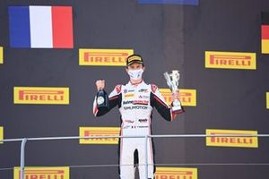 Theo Pourchaire, ART Grand Prix celebrates on the podium