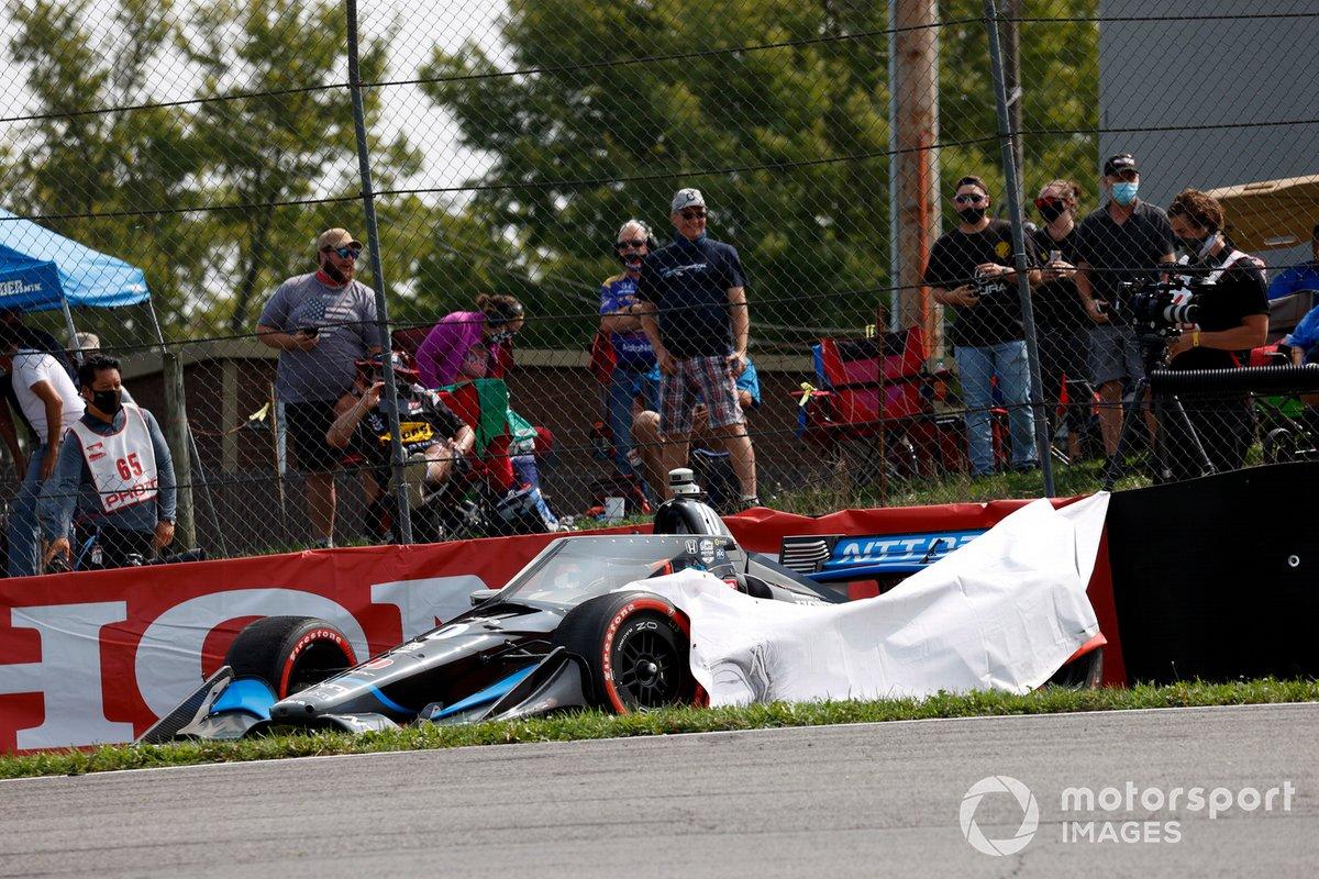 Choque de Felix Rosenqvist, Chip Ganassi Racing Honda, al inicio
