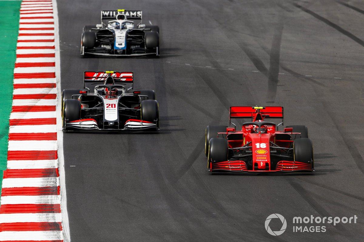 Charles Leclerc, Ferrari SF1000, Kevin Magnussen, Haas VF-20, e Nicholas Latifi, Williams FW43