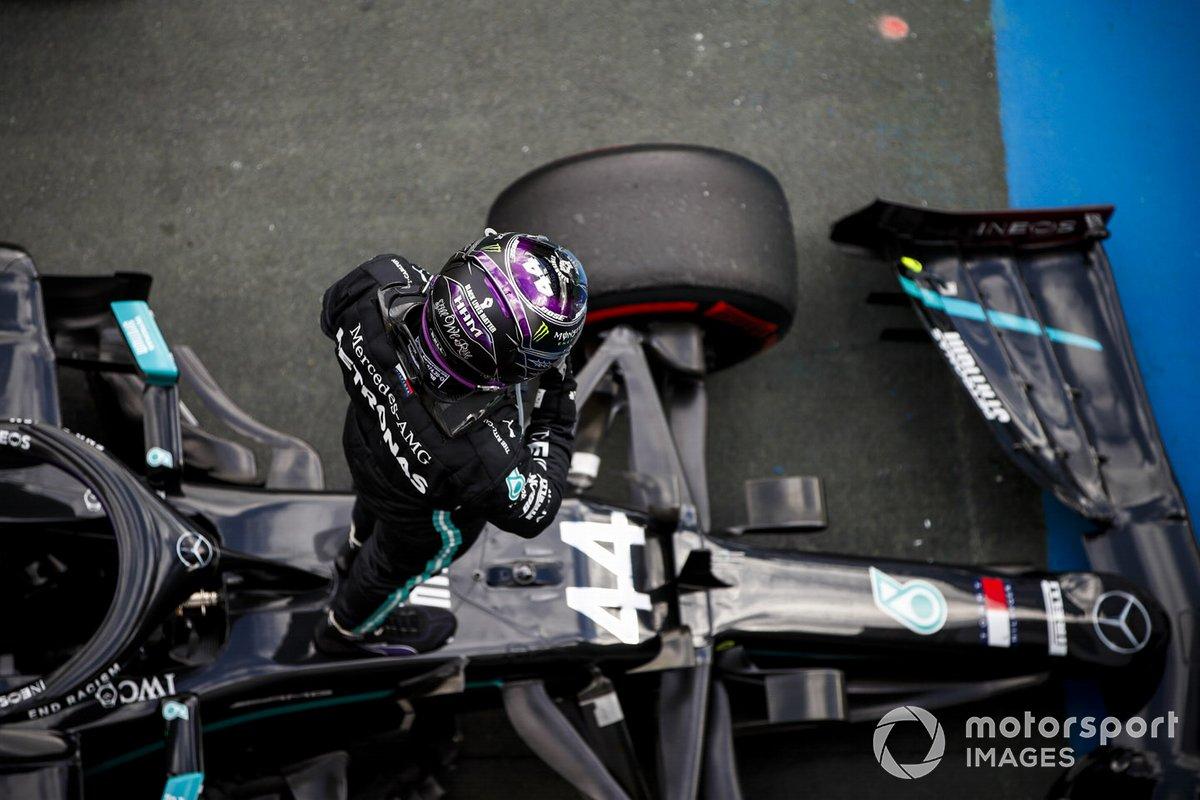 Ganador de la carrera Lewis Hamilton, Mercedes-AMG F1
