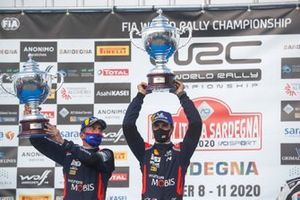 Podium: Race winner Dani Sordo, Carlos Del Barrio, Hyundai Motorsport Hyundai i20 Coupe WRC