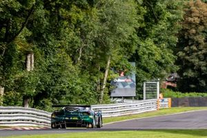 #51 AF Corse UK Ferrari 488 GT3: Duncan Cameron, Matt Griffin