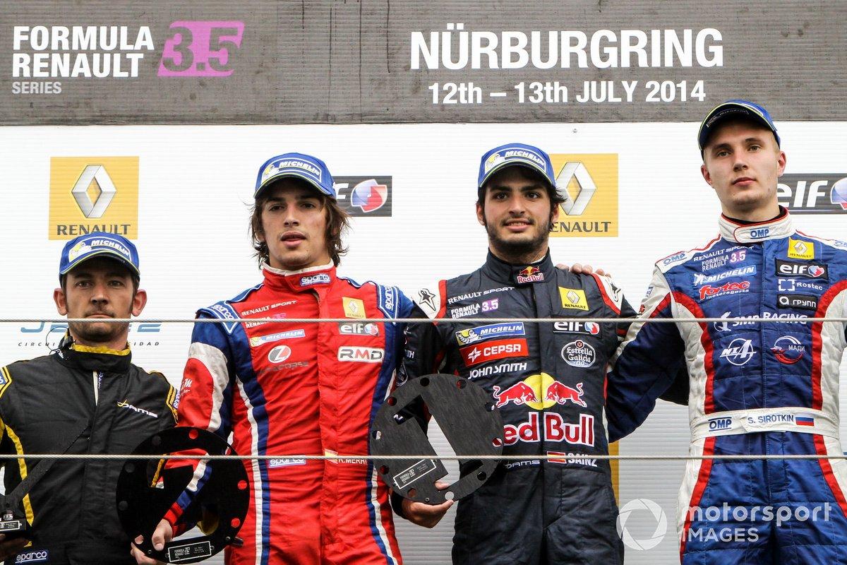 Podio: Carlos Sainz jr., Dams, Sergey Sirotkin, Fortec y Roberto Merhi, Zeta Corse