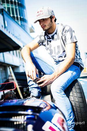 Carlos Sainz jr., Dams