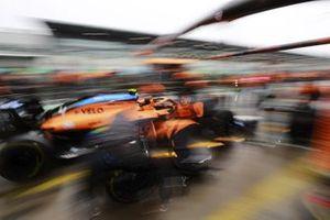 Pit stop con el monoplaza de Lando Norris, McLaren MCL35