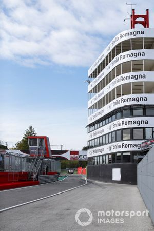 A view of the buidling at the end of the pits