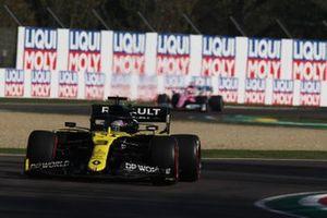 Daniel Ricciardo, Renault F1 Team R.S.20, Sergio Perez, Racing Point RP20