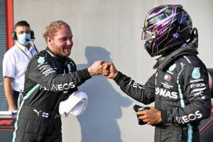 Pole Sitter Valtteri Bottas, Mercedes-AMG F1 and Lewis Hamilton, Mercedes-AMG F1 celebrate in Parc Ferme