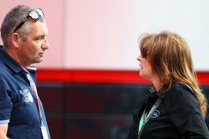 Allard Kalff, RT GP Commentateur et Martine Kindt-Cohen, Casques Bell PDG
